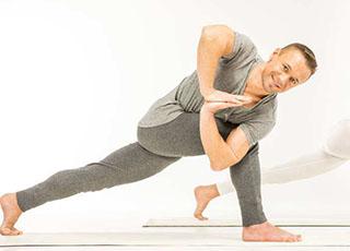 Flow Yoga|脊柱侧弯课题 - 特色职业进修班